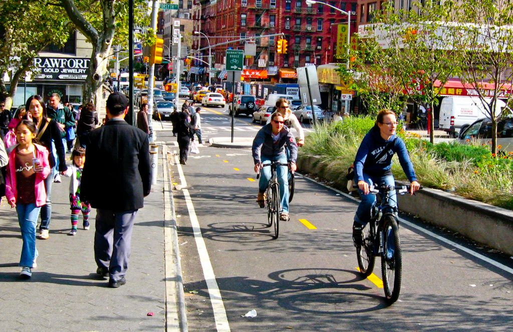 New-York-City-bike-lanes-Wikimedia